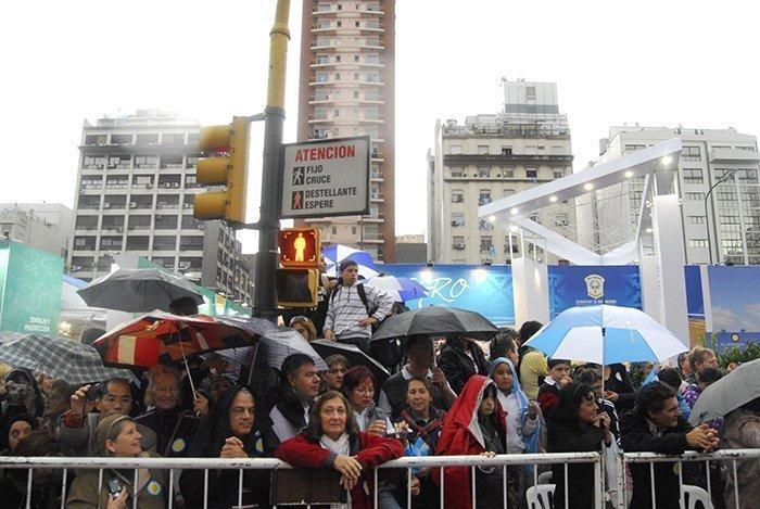 fig25 dia 3 229 desfile desde dentro